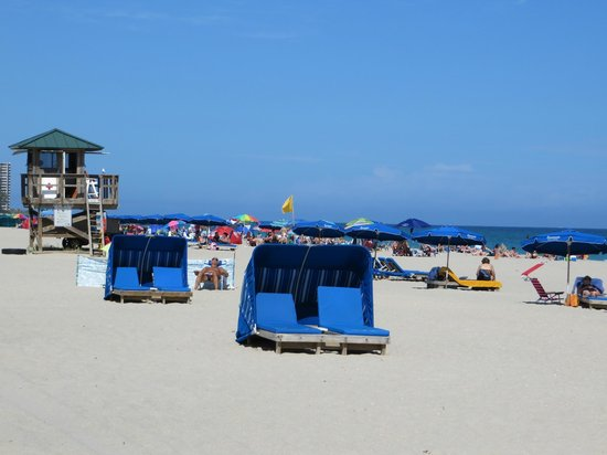 Palm Beach Shores Resort & Vacation Villas : Beach rentals available
