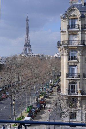 Hotel Duquesne Eiffel : room 45 view from window