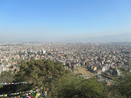 Swayambhunath-Tempelkomplex: View over Kathmandu