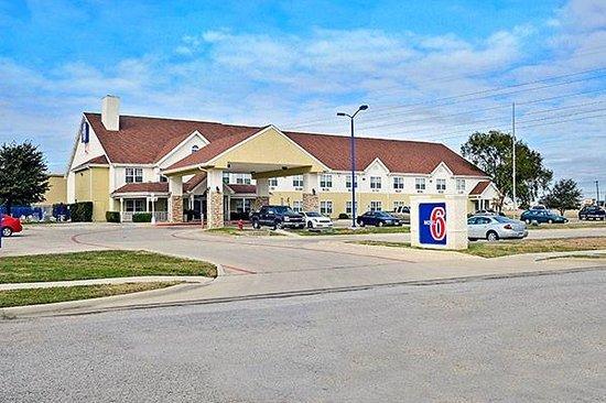 Motel 6 North Richland Hills- NE Ft Worth: Exterior