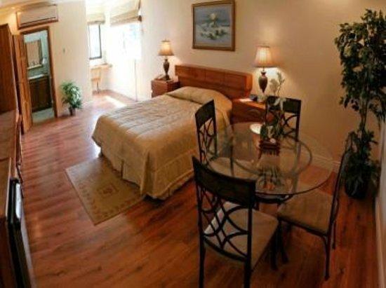 Trade Winds Hotel: Executive Suite