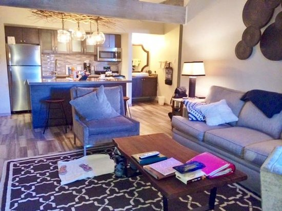 The Timberline Condominiums: Living room and kitchen