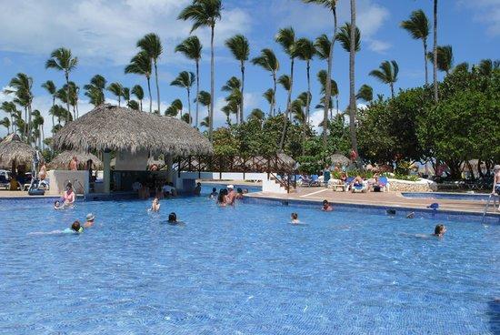 Sirenis Punta Cana Resort Casino & Aquagames : piscine