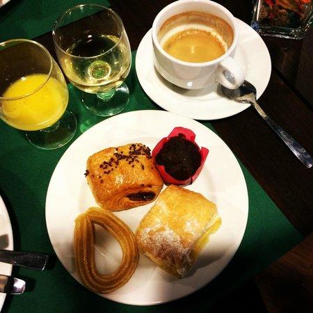 Hotel Magic Andorra: Всегда вкусная выпечка на завтрак