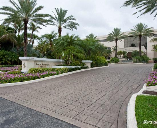 Photo of Hotel Four Seasons Resort, Palm Beach at 2800 S Ocean Blvd, Palm Beach, FL 33480, United States