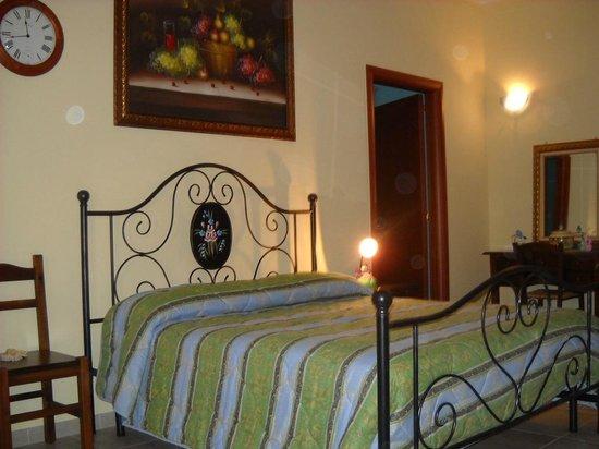 Camera da letto - Foto di Sogni d\'Oro, Grottaglie - TripAdvisor