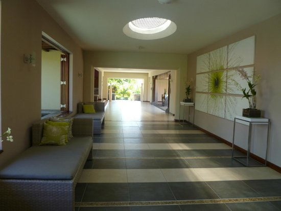 Tamassa: Area just after the reception desk