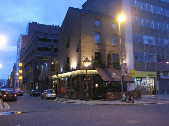 The Garrick Bar: Front & Side