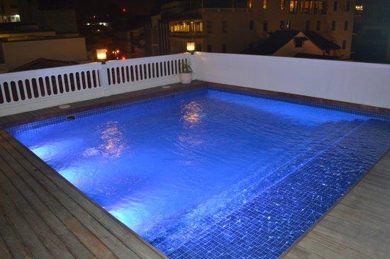 American Trade Hotel: Pool area