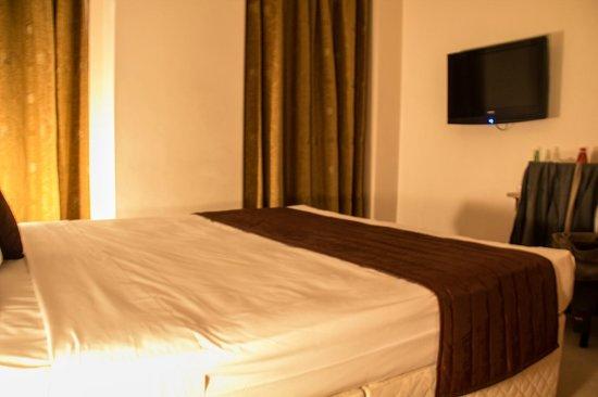 Avni Kensington Hotel: Room 104