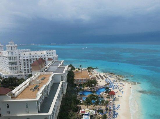 Hotel Riu Cancun: Vista do quarto