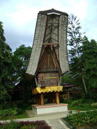 Toraja Misiliana Hotel: Hotelgelände2