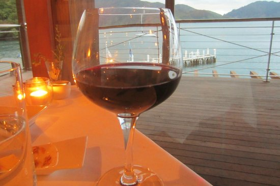 Bay of Many Coves: Fine wine and fine view from restaurant