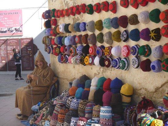 Riad Chbanate : Essaouira hat-maker