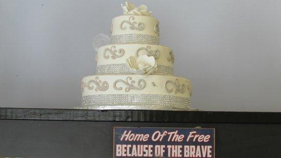 Lake George Baking Company : beautiful wedding cake Debbie