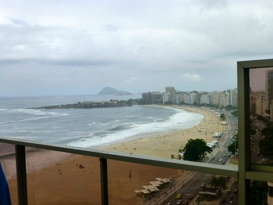 JW Marriott Hotel Rio de Janeiro : View of the beaches from Club Lounge