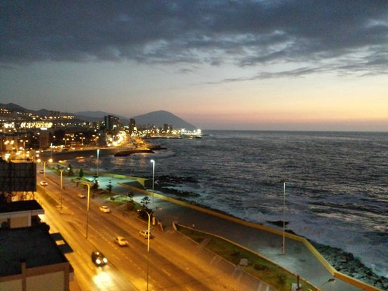 Holiday Inn Express Antofagasta: View from my 9th floor room (ocean view)