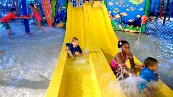 Coco Key Water Resort: slide