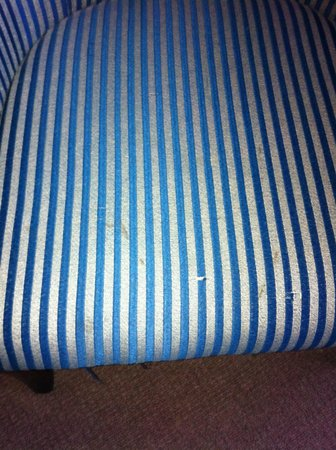 Britannia Airport Hotel : seat stained