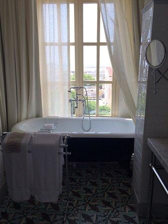 American Trade Hotel: salle de bain