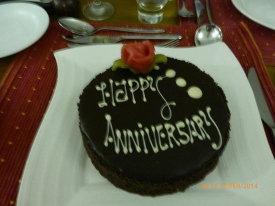 Cinnamon Hakuraa Huraa Maldives: 40th wedding anniversary cake