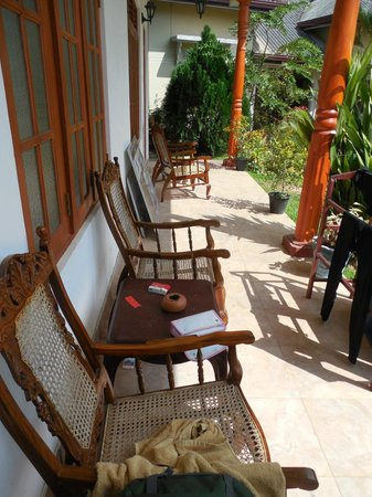 Tithira guest home: the garden behind the room