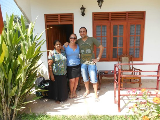 Tithira guest home: me, Aronne and the owner