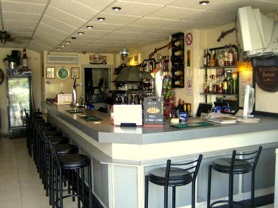 Chepas Bar Cafe: Enjoy an cold beer