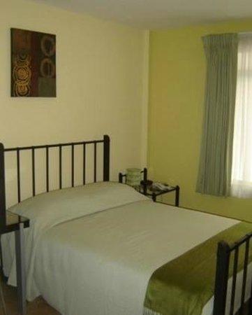 Hotel Casa Cambranes: Green room