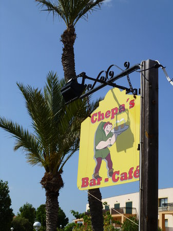 Chepas Bar Cafe: The sign to look for