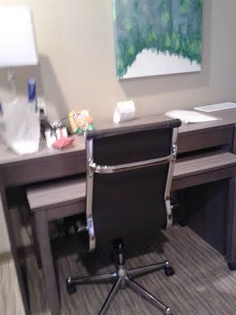 Holiday Inn Express Hotel & Suites Schulenburg : Desk with rollaway table underneath