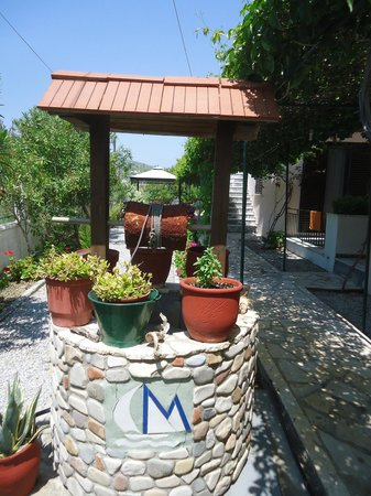 Maritsa Studios: The entrance/garden area