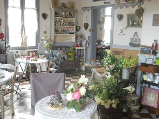 Pontenx-les-Forges, Francia: Tout est à vendre...