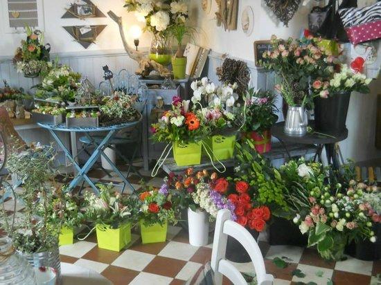 Pontenx-les-Forges, Francia: Des fleurs ...