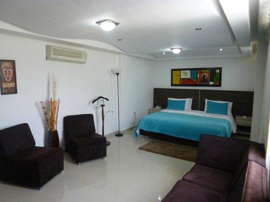 Ramada Bucaramanga: habitación muy cómoda