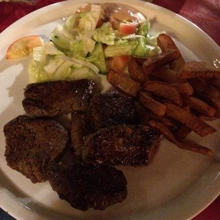 Nestor's Restaurant & Steakhouse : ladies steak