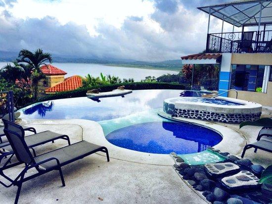 Linda Vista Hotel : pool and jacuzzi