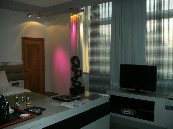InterContinental Berlin: elegante Beleuchtung Deluxe Zimmer