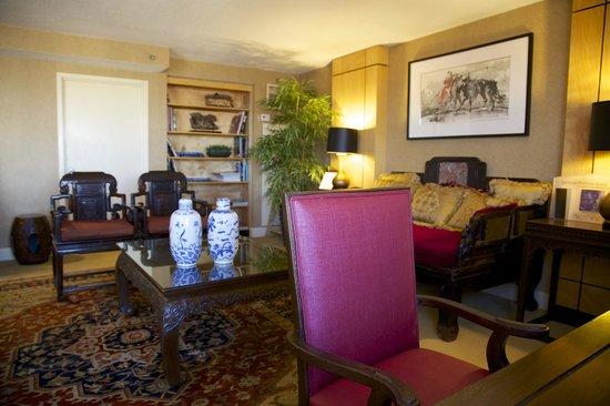 Sheraton LaGuardia East Hotel: Club Lounge