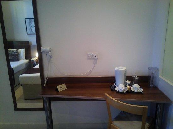 Avni Kensington Hotel : Habitación doble superior dos camas 212