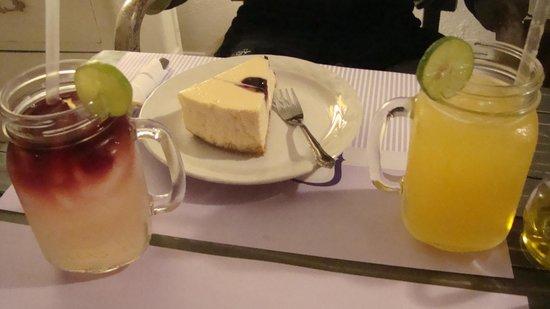 Blueberry Cafe: Pay de queso con zarzamora, excelente.