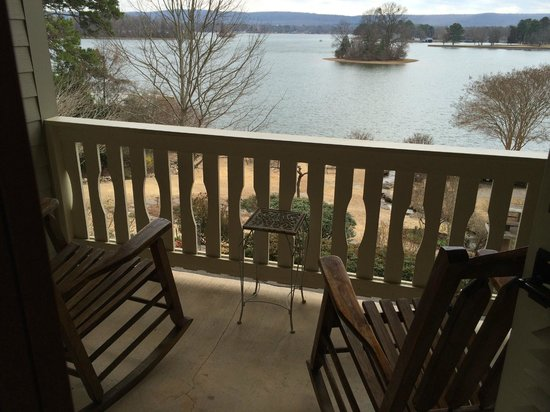 Lookout Point Lakeside Inn: View from Birdsong Room