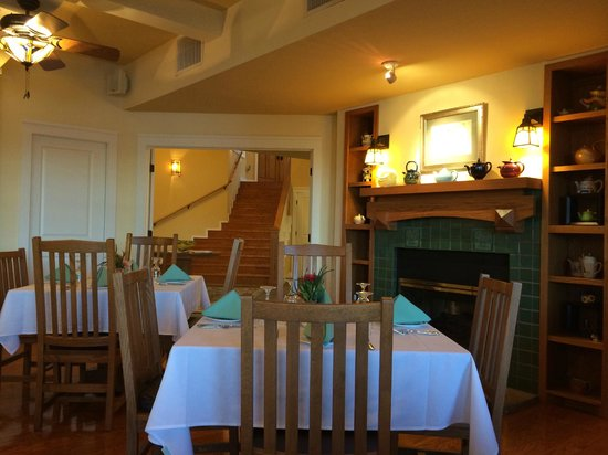 Lookout Point Lakeside Inn: Dining room