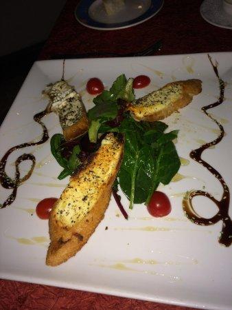 La Villa Restaurant: Goat Cheese Salad