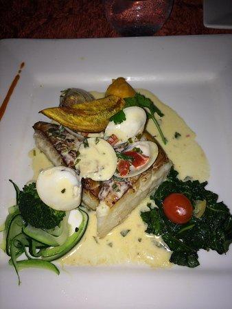 La Villa Restaurant: Seabass with clam sauce