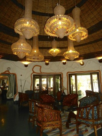 Lake Manyara Wildlife Lodge: al bar
