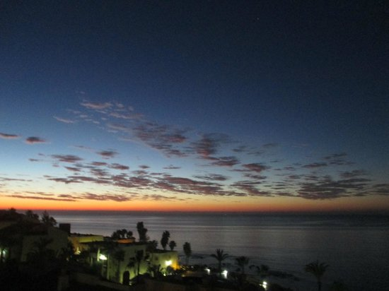 The Dona Lola Club : sun rise over Mediterranean