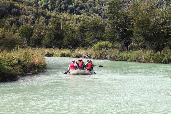 Hotel Tronador: Flotada por el Río MAnso