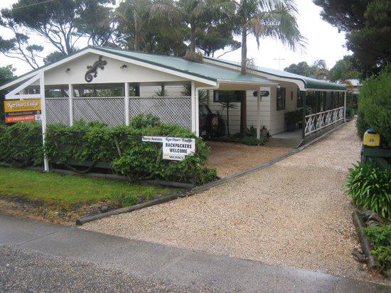 Karikari Lodge : Inland Road entrance.