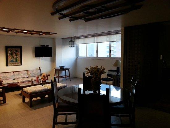 Suites Amberes: Salón